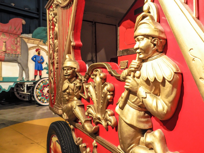 How creepy is the Ringling Brothers Circus Museum | Sarasota, Florida | Barnum and Bailey Circus | Greatest Show on Earth | The Greatest Showman | Circus history | Clowns | circus freaks