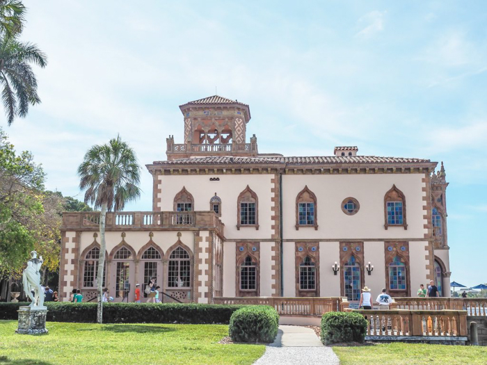 The Ringling // Getting My Italy Fix in Florida | Ringling | Ringling art museum and sculpture garden | Sarasota, Florida | The Ringling art museum | Ca' d'Zan outside