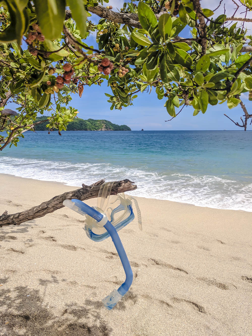 Costa Rica beach | How to NOT guide for getting robbed abroad | What to do before, during, and after getting robbed abroad. Pickpocketing in Europe, travel insurance, etc. #traveltips #europe