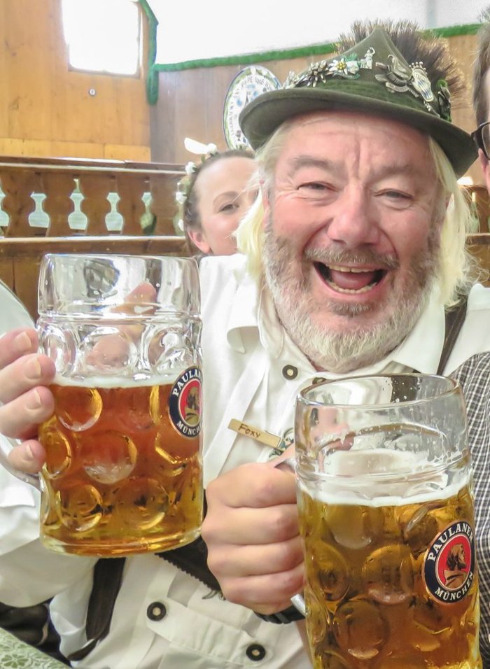 My Wanderlusty Oktoberfest Recap | What it's like at Oktoberfest in Munich, Germany | What it's like to travel to Oktoberfest with Thirsty Swagman | Oktoberfest beer tents | Oktoberfest food and beer | What to wear to Oktoberfest | Oktoberfirsts | Foxy