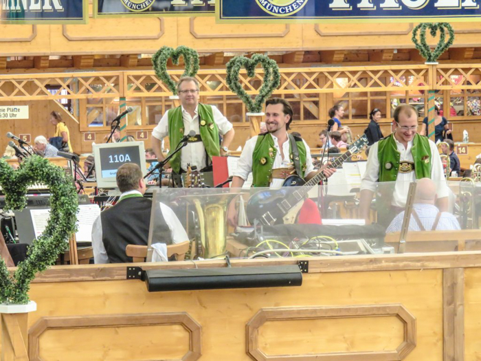 My Wanderlusty Oktoberfest Recap | What it's like at Oktoberfest in Munich, Germany | What it's like to travel to Oktoberfest with Thirsty Swagman | Oktoberfest beer tents | Oktoberfest food and beer | What to wear to Oktoberfest | Oktoberfirsts | Arbrustschutzenzelt | Paulaner Tent | Band
