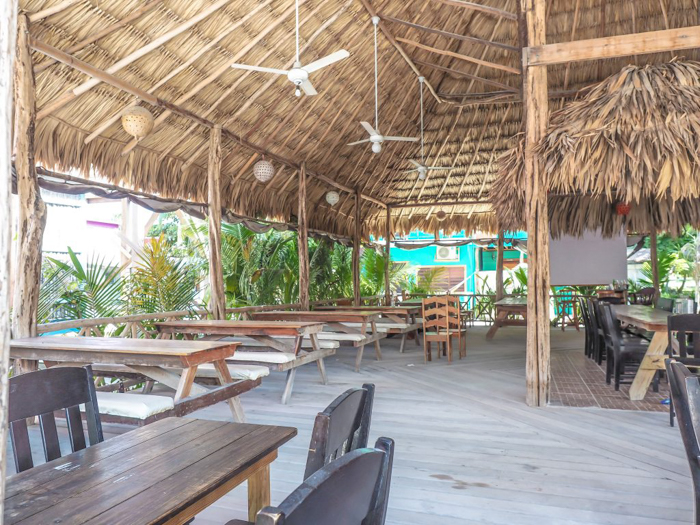 3 days in Care Caulker, Belize // Rose's Grill and Bar