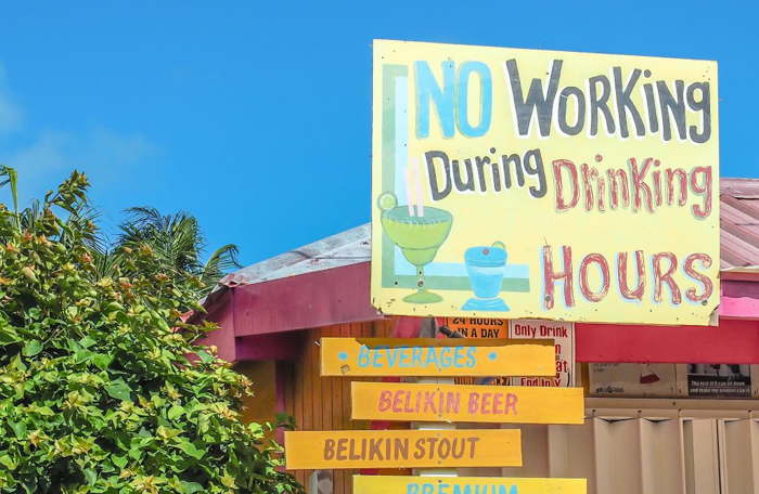 17 things that shocked me in Belize // no working during drinking hours