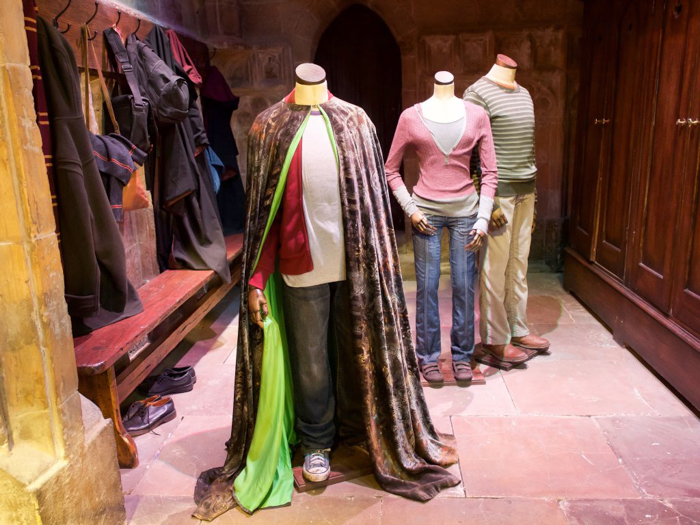 Do This, Not That // Harry Potter Studio Tour | Leavesden, London, UK | Harry Potter film studio and set | Things to do in London | What to do in London | What to see in London | Cloak of Invisibility