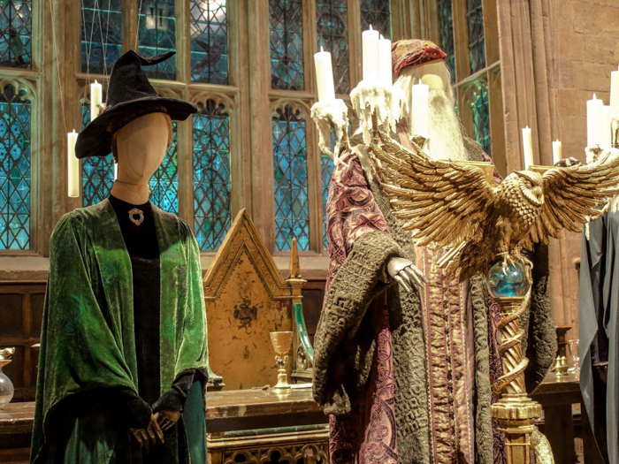 Do This, Not That // Harry Potter Studio Tour | Leavesden, London, UK | Harry Potter film studio and set | Things to do in London | What to do in London | What to see in London | dumbledore and professor mcconagle