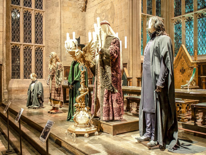 Do This, Not That // Harry Potter Studio Tour | Leavesden, London, UK | Harry Potter film studio and set | Things to do in London | What to do in London | What to see in London | hogwarts professors