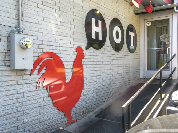 An exploration of Nashville Hot Chicken | Hattie B's | Bolton's | Pepperfire | Nashville, Tennessee | chicken and waffles, chicken tenders, spicy fried chicken | Southern cuisine | Soul food