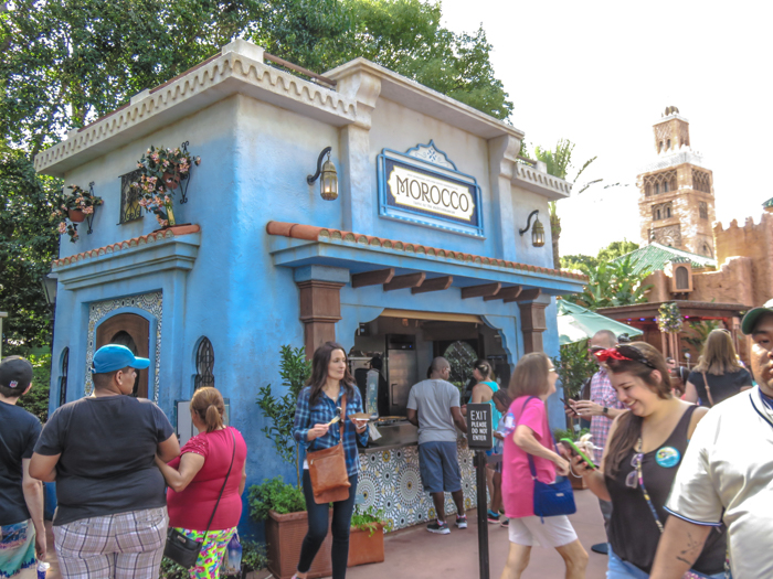 What to pack for the Epcot Food and Wine Festival | Epcot Center, Disney World, Orlando, Florida | What to wear, what to bring, what to leave at home, and how NOT to look like a crazy person | Apparel, shoes, misc. | morocco pavilion