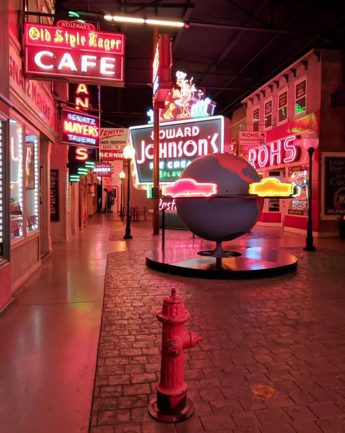 American Sign Museum | Cincinnati, Ohio | Neon signs | How to make | Americana | Private Tour | What to do in Cincinnati | Queen City | Big Boy | American history | Quirky Museums | Unique Museums | Fun things to do in Cincinnati | Main Street
