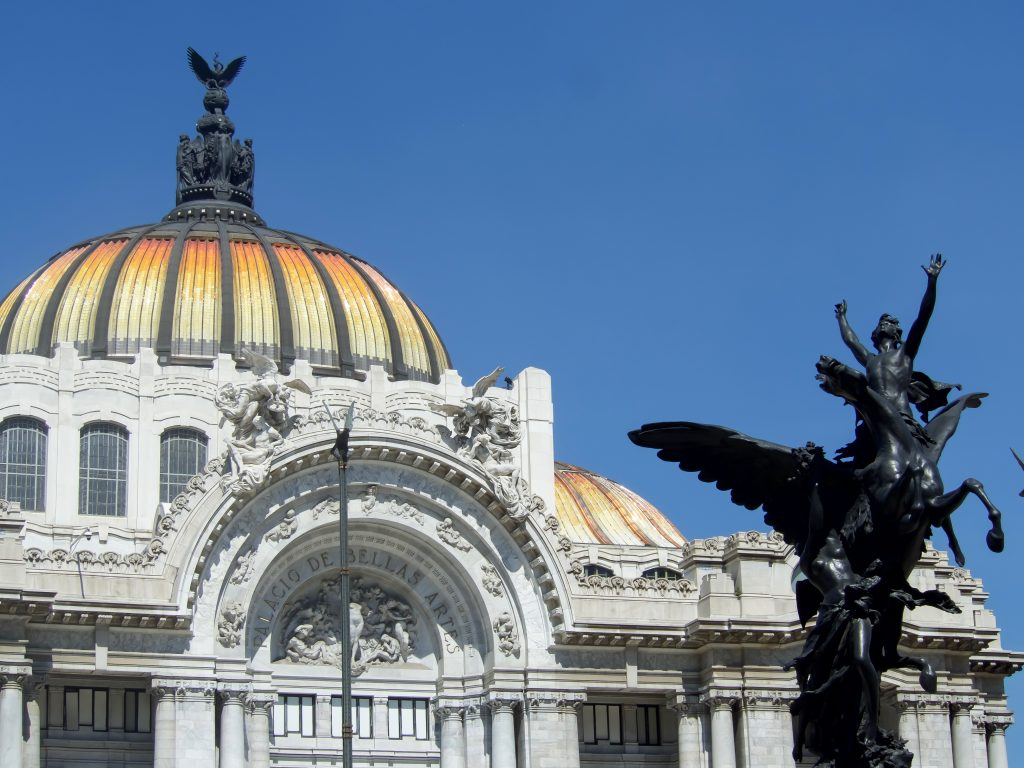 Do This, Not That // 3 Days in Mexico City | Dos and don'ts | Mexico Travel tips | CDMX | Palacio de Bellas Artes
