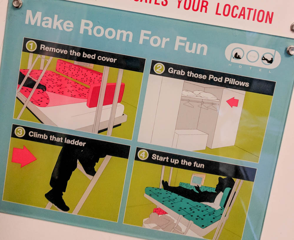 instructional sign for bunk beds