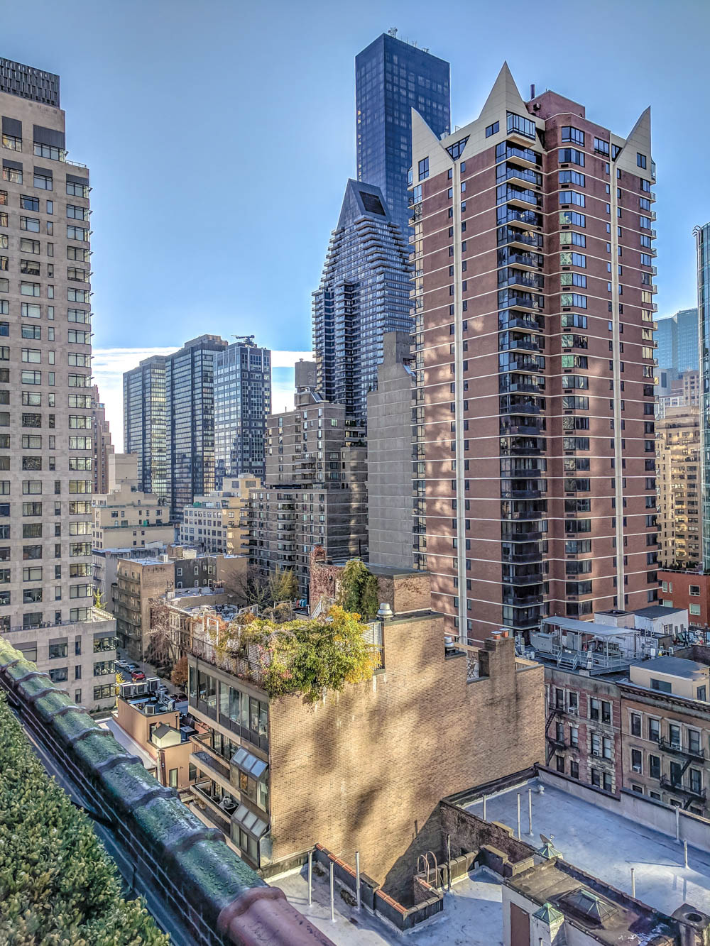 views of manhattan buildings from Pod 51 rooftop