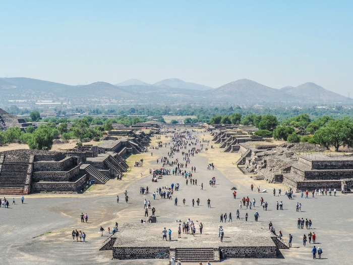 15 essential Mexico City experiences for the best trip ever | Mexico City must-do | Things to do in Mexico City | What to do in Mexico City | CDMX | Mexico DF | Can't-miss Mexico City activities and sights | Mexico City sightseeing | Avenue of the Dead at Teotihuacan