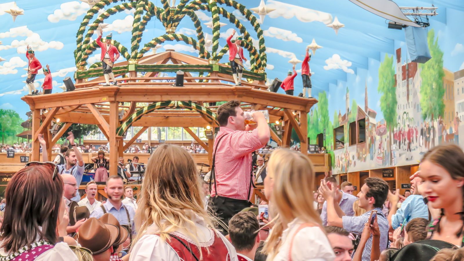 Oktoberfest trivia 49+ Super Detailed Oktoberfest Tips From an Oktoberfest Tour Guide   Oktoberfest in Munich, Germanyquiz cover photo