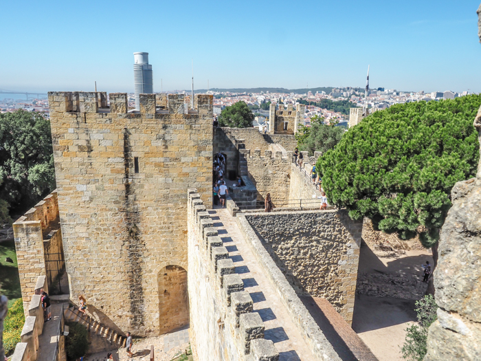 A First-Timer's Guide to Spending 3 Days in Lisbon, Portugal | What to do in Lisbon, what to see in Lisbon | UNESCO World Heritage Sites, museums, where to eat in Lisbon | How to spend 3 days in Lisbon | Castelo de Sáo Jorge #traveltips #lisbon #portugal #timebudgettravel #castle