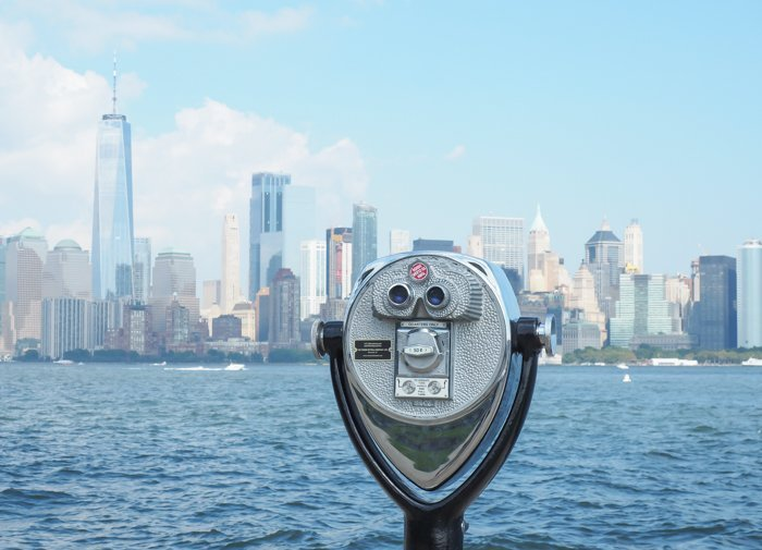A Time-Budget Traveler's Guide to Visiting Ellis Island in a Hurry | New York City, Manhattan and the Statue of Liberty | United States Immigration Museum | National Park Site #ellisisland #newyorkcity #stateofliberty #nyc #manhattan #ushistory binoculars