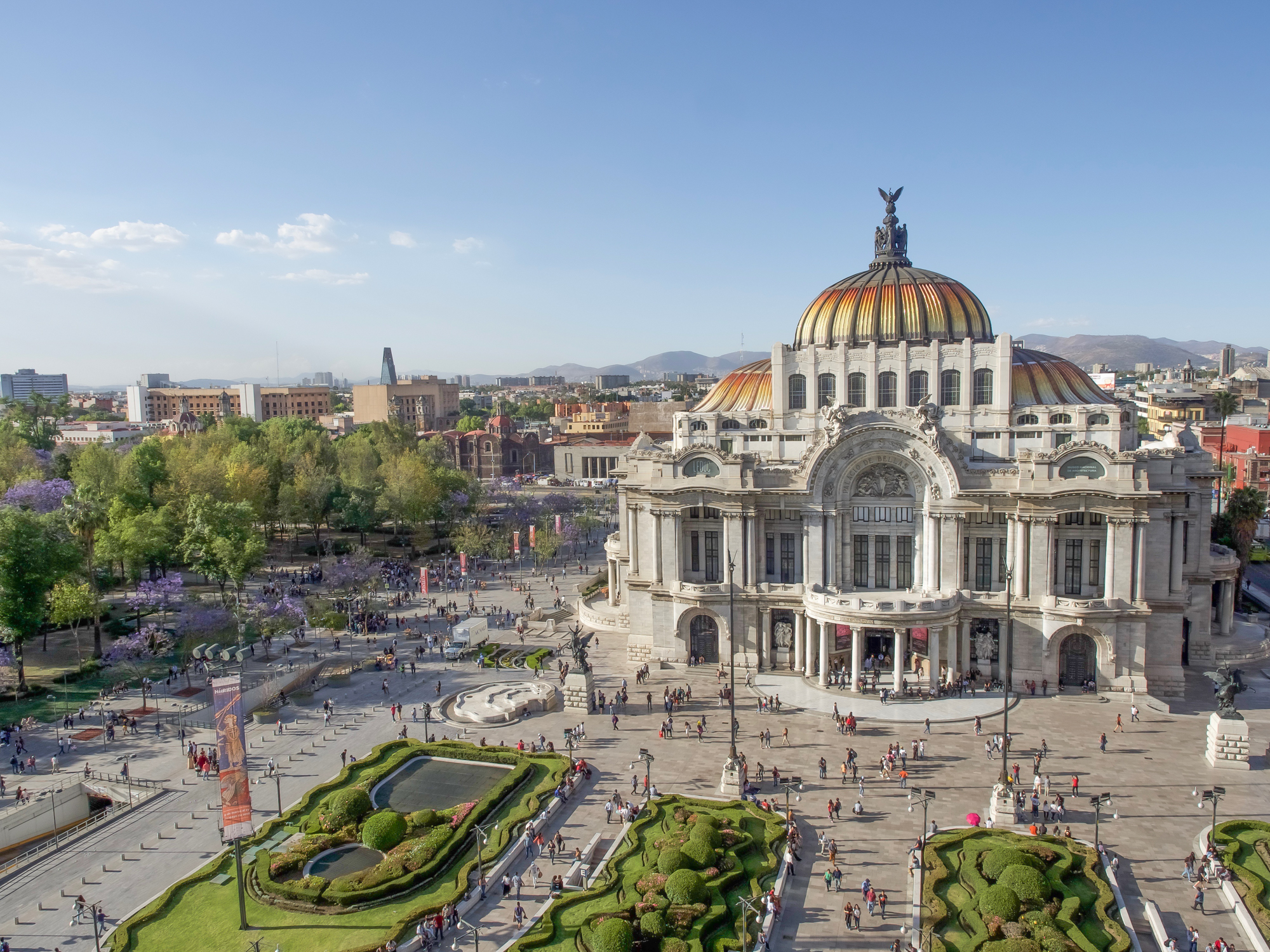 3 days in Mexico City, Do This, Not That | Dos and dont's for your first trip to Mexico City | CDMX | Mexico DF | altitude sickness | xochimilco | Casa Azul | Frida Kahlo, Diego Rivera | best views in Mexico City | Mexican food | Aeromexico | Tequila + Mezcal | Palacio des bellas artes | Zocalo | Dia de Muertos, Day of the Dead | Mexico travel tips