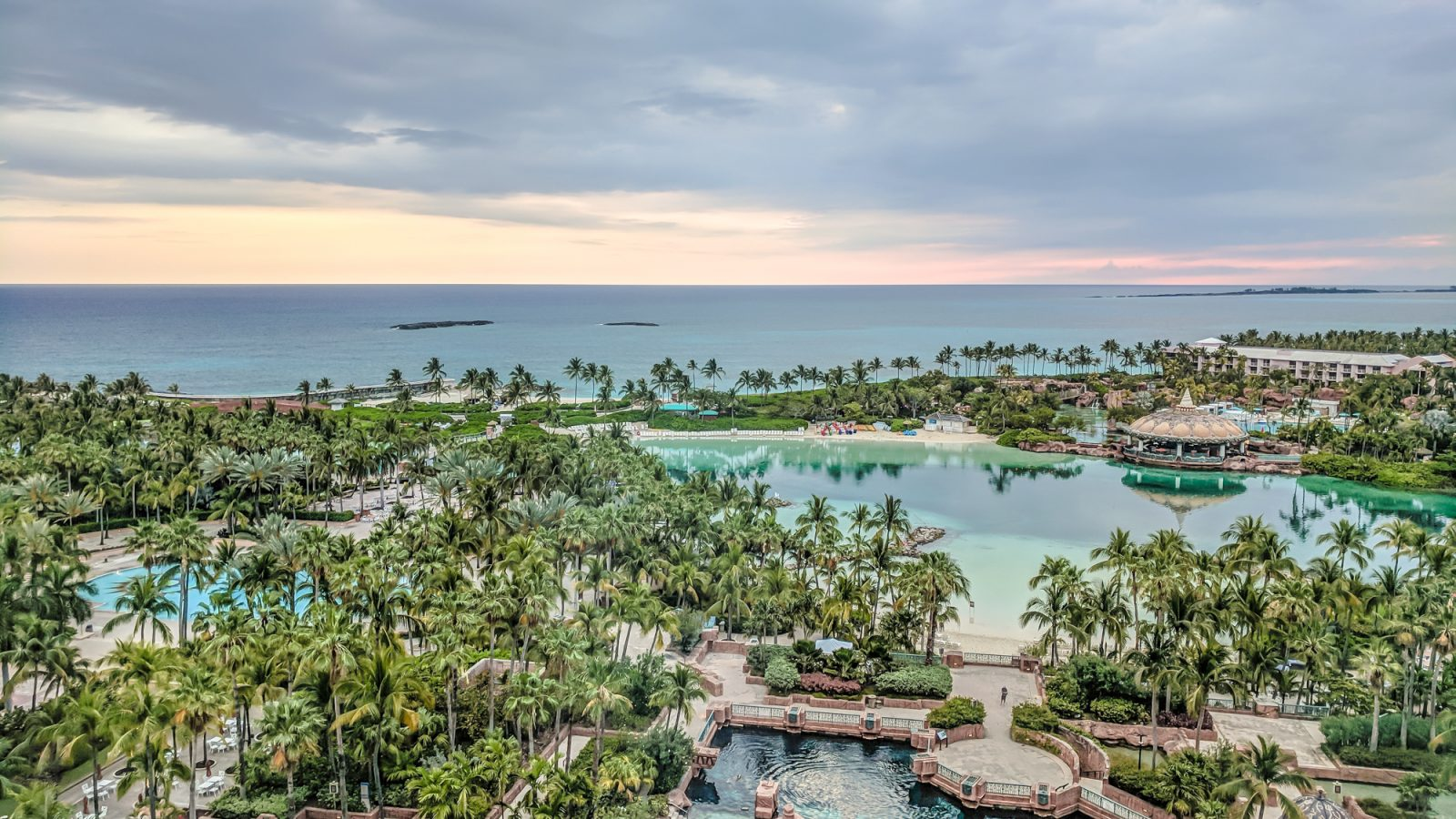 Get to know The Bahamas | Nassau | Where to stay in The Bahamas, what to pack for The Bahamas, and what you need to know about The Bahamas | #timebudgettravel #traveltips #thebahamas #bahamas #nassau #caribbean