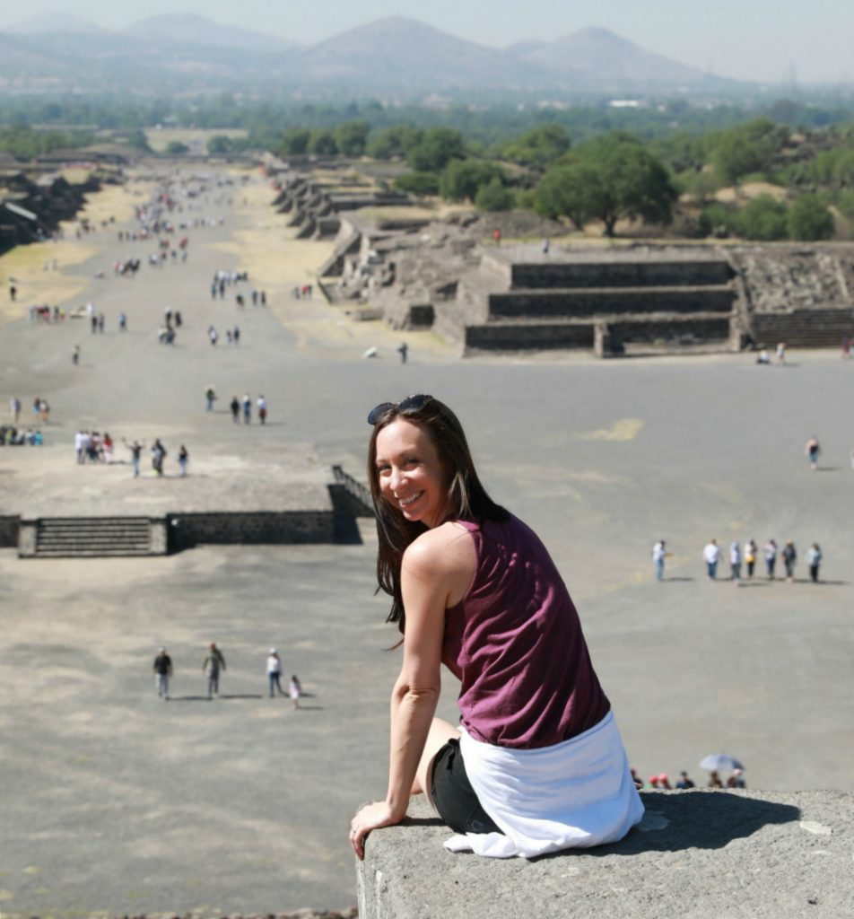 mexico travel guide | ashley at Teotihuacan