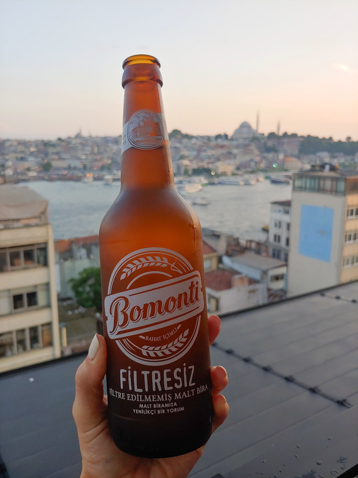 Beer at the rooftop bar, Where to Stay in Istanbul, Turkey: Hotel Momento Golden Horn in Beyoglu / Karakoy. #istanbul #turkey #goldenhorn #wheretostay #hotelreview #hotelmomento #traveltips