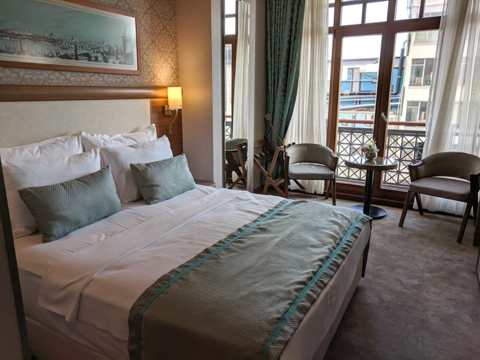 Room, Where to Stay in Istanbul, Turkey: Hotel Momento Golden Horn in Beyoglu / Karakoy. #istanbul #turkey #goldenhorn #wheretostay #hotelreview #hotelmomento #traveltips