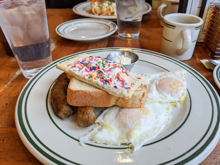 Breakfast at Ted's Bulletin | Another long weekend in Washington, D.C.