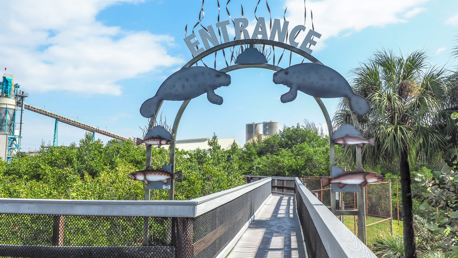 7 Terrific Tours to Take in Tampa, Florida // Big Cats, Beers, Buccaneers, and Beyond! | The entrance to the Manatee Viewing Center at Tampa Electric Company, Apollo Beach, Florida | #tampa #florida #manatee #powerplant #traveltips