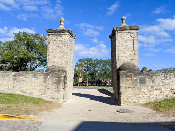 old city gates / 1 day in St. Augustine, Florida: A quick trip to America's oldest city / 24 hours in St. Augustine / day trip to St. Augustine from Jacksonville or day trip to St. Augustine from Orlando