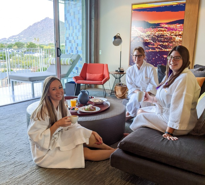 Having brunch in our bath robes | What to pack for Arizona in the winter | Arizona packing list | What to wear for a winter trip to Arizona | #arizona #scottsdale #packinglist