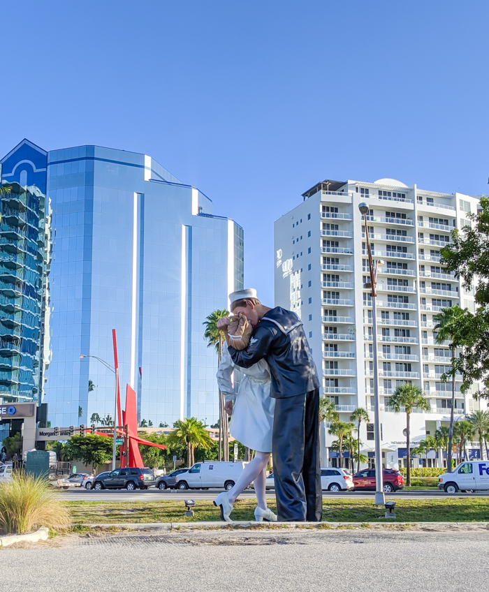 Unconditional Surrender statue / 3 days in Sarasota, Florida / What to do in Sarasota, Where to eat in Sarasota, itinerary and information guide