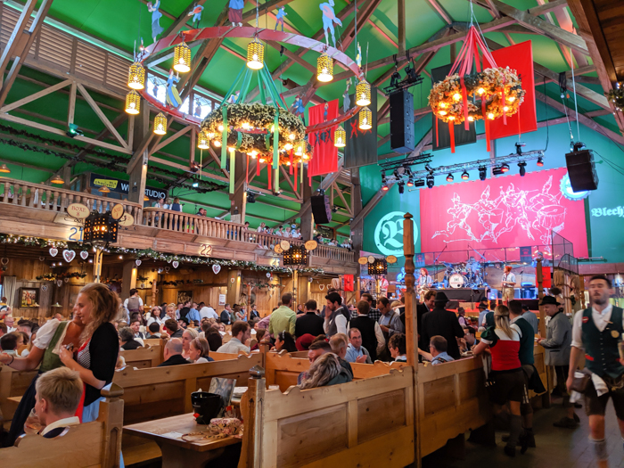 Kufflers Weinzelt wine tent / Must-Know Oktoberfest tips from an Oktoberfest tour guide and locals / what you need to know about oktoberfest in munich, germany