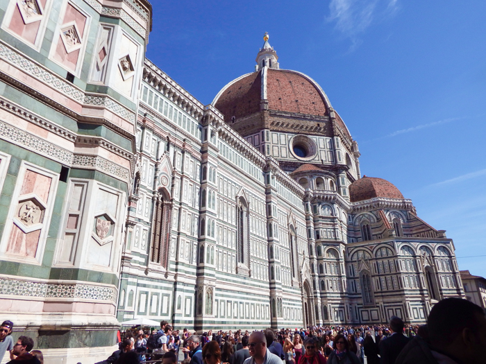 The side of Il Duomo / 2 days in Florence, Italy