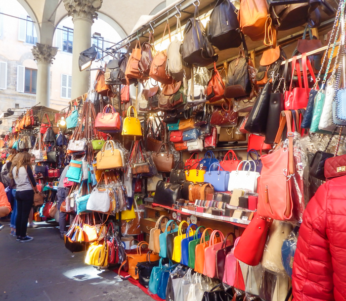 Shopping for leather purses at Mercato Porcellino, the new market, the straw market, mercato nuovo / 2 days in Florence, Italy