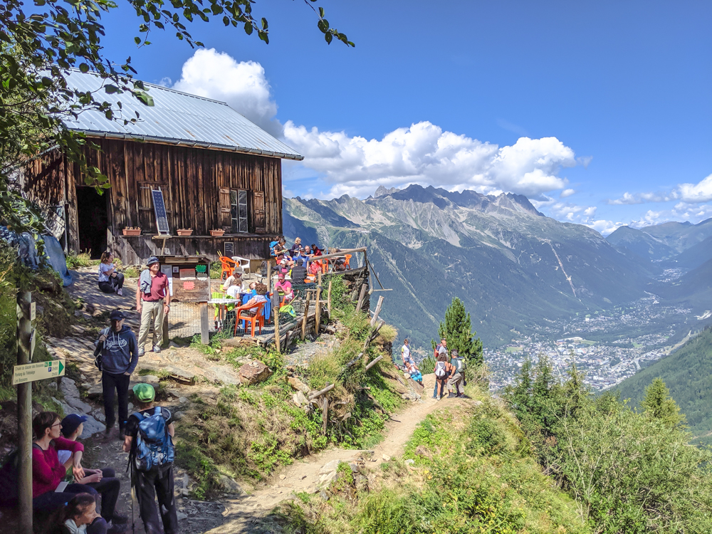 Awesome things to do in Chamonix in the summer: Alpine bucket list / chalet dest pyramides