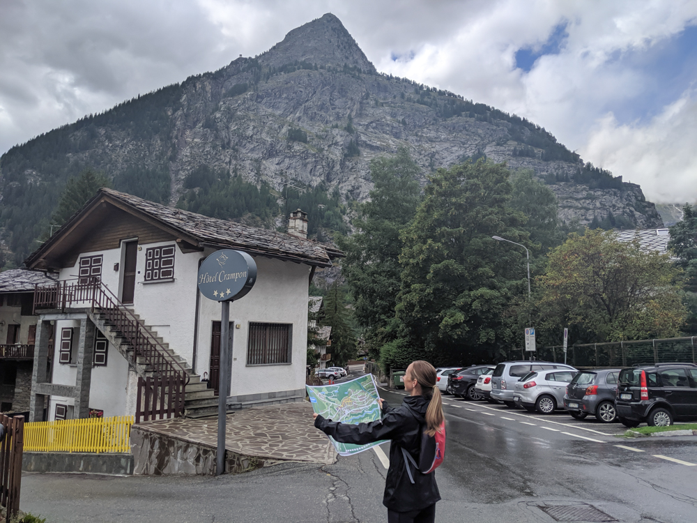 Day trip to Courmayeur, Italy from Chamonix, France / what to do in courmayeur
