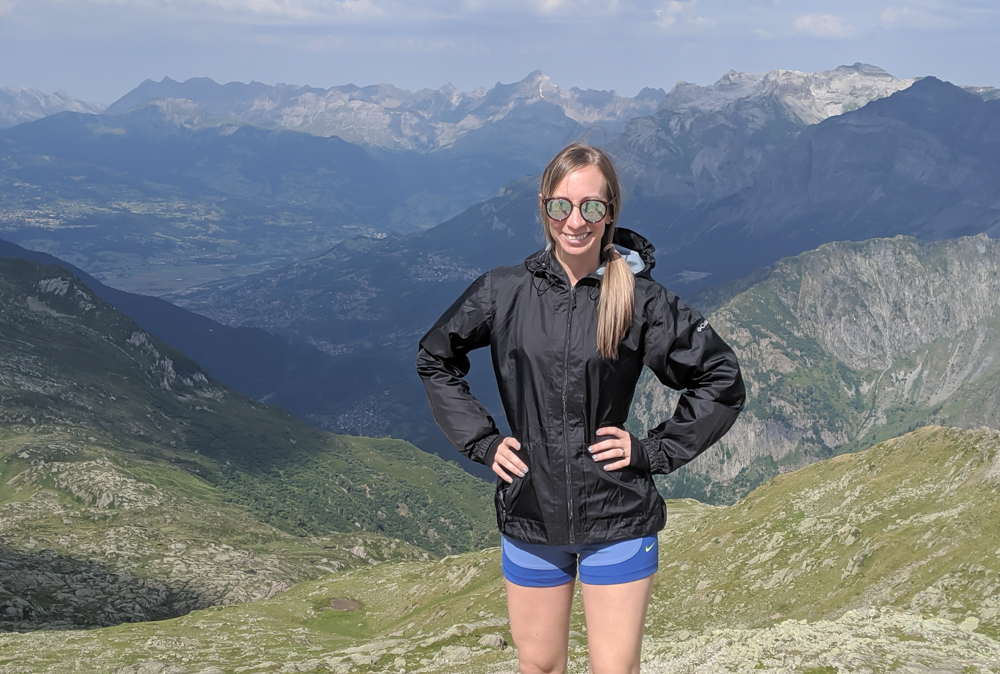 What to pack for Chamonix in the summer / what to wear in chamonix in the summer / alps packing list / chamonix packing guide / what shoes to pack for chamonix / rain jacket, windbreaker