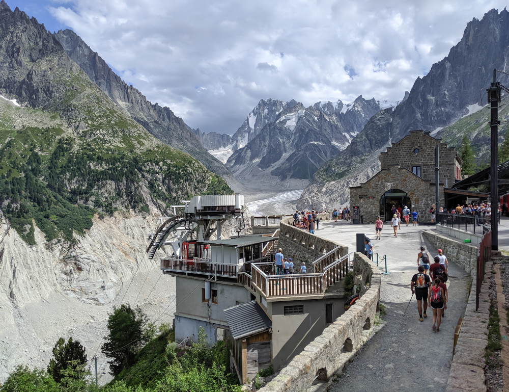 Awesome things to do in Chamonix in the summer: Alpine bucket list / Mer de glace glacier