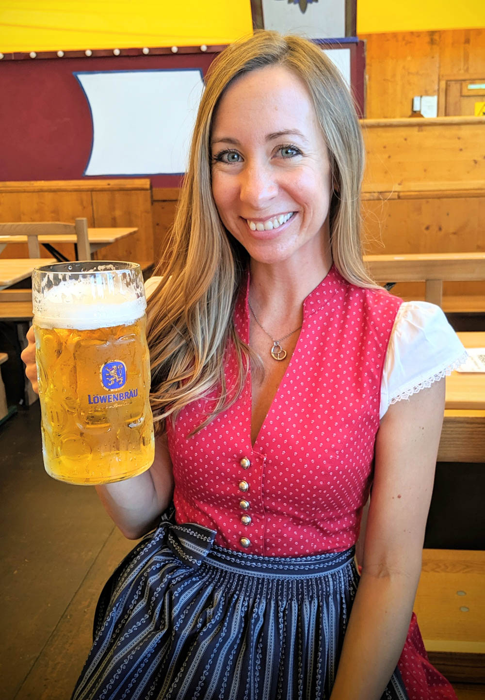 Oktoberfest party beer: What kind of beer to serve at your oktoberfest party   Lowenbrau mass at Oktoberfest in Munich, Germany