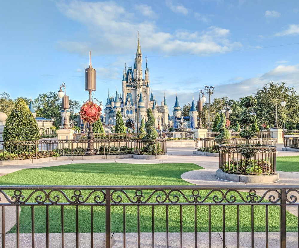 Visiting Disney World During the Pandemic: Everything You're Dying to Know | Disney World in 2020, what it's like to visit disney world right now. | empty magic kingdom