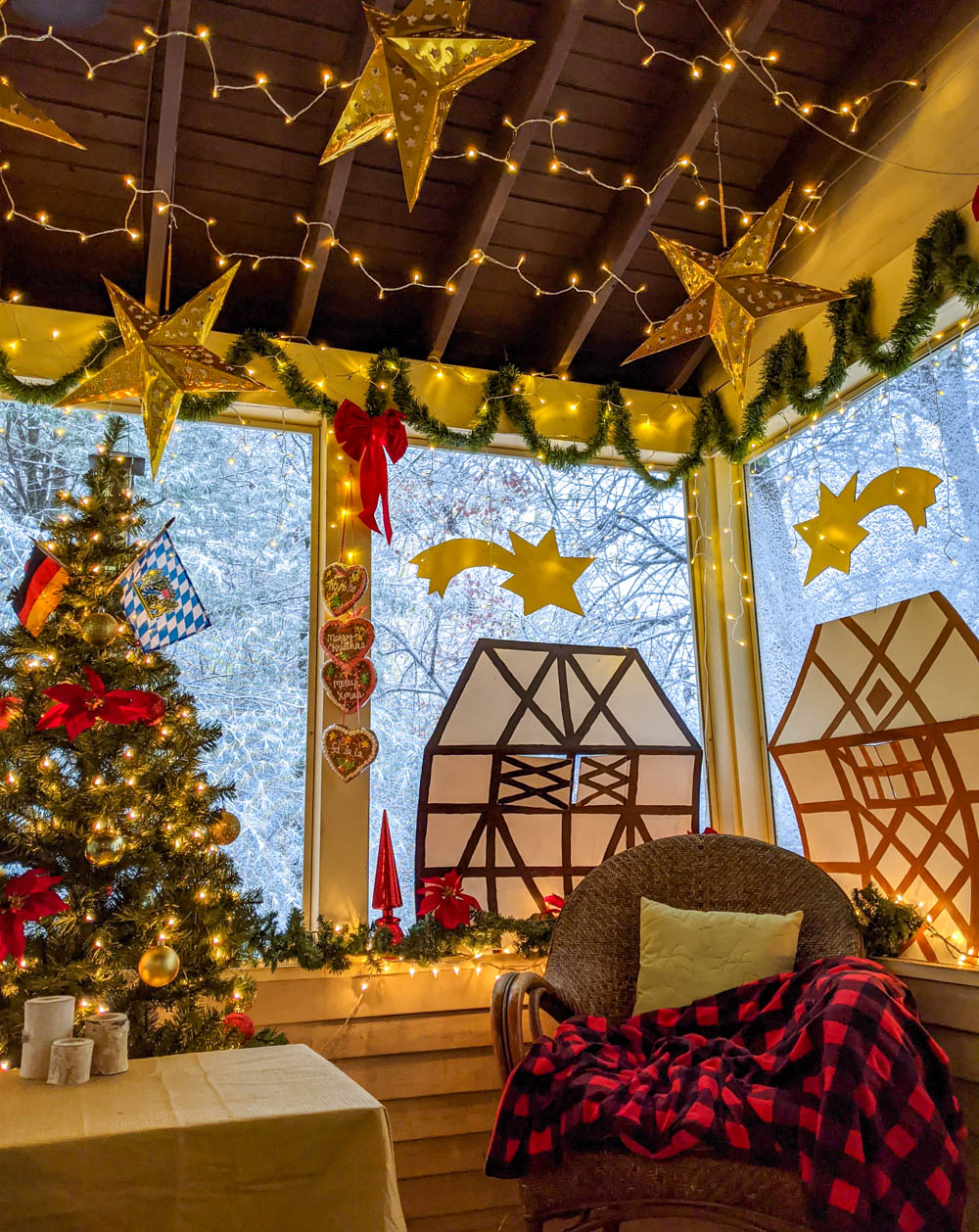 German Christmas market foods and drinks you can enjoy at home (with recipes) | setting up the party on my screened-in back porch with snow