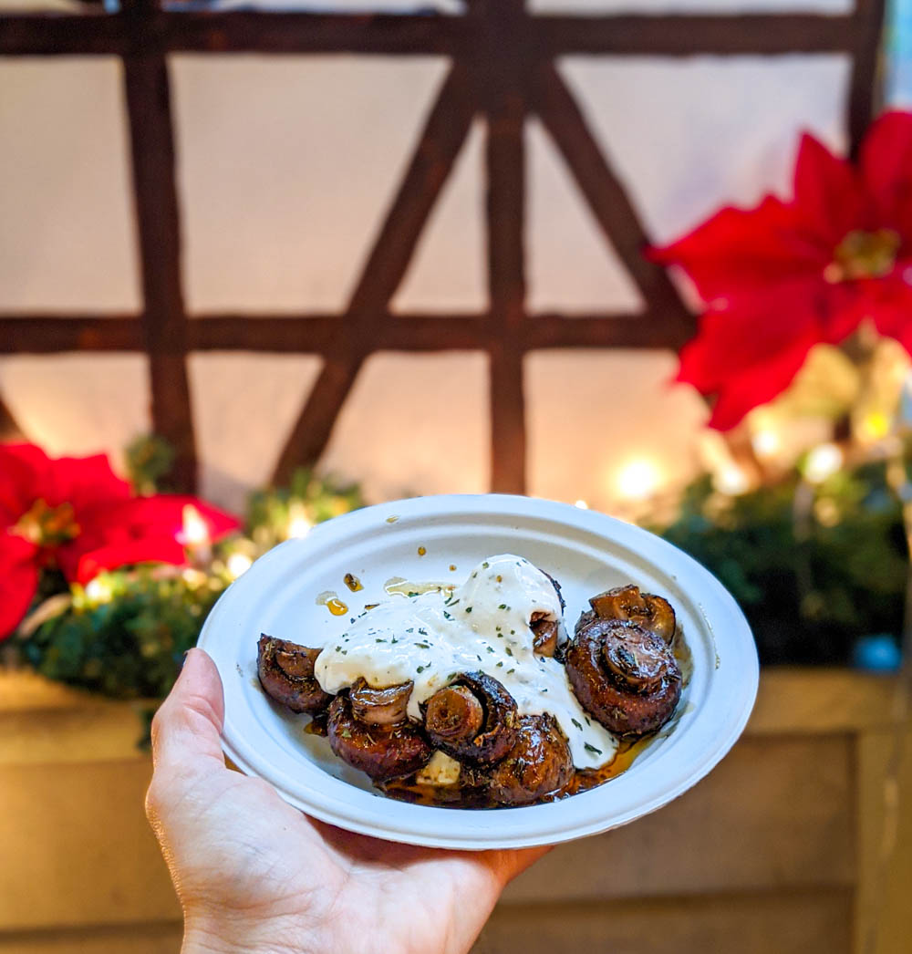 German Christmas market foods and drinks you can enjoy at home (with recipes) | sautéed mushrooms with garlic sauce