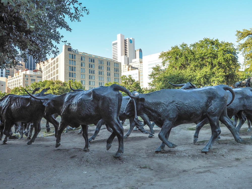 7 Worthwhile Ways to Spend a Weekend in Dallas, Texas | Pioneer Plaza