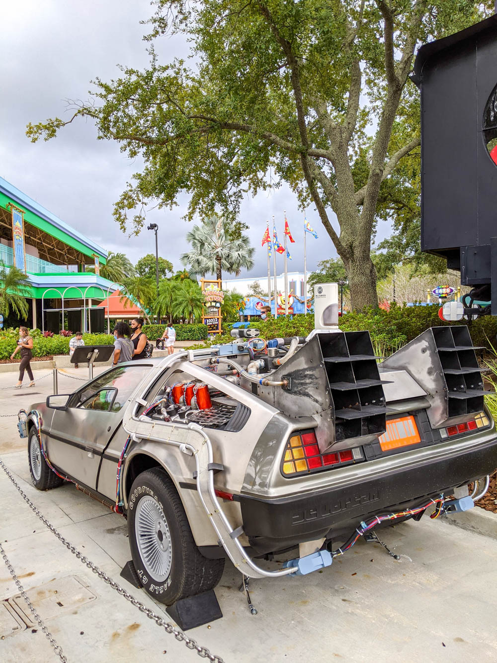 Back to the Future Delorean at Universal Studios Orlando during the pandemic