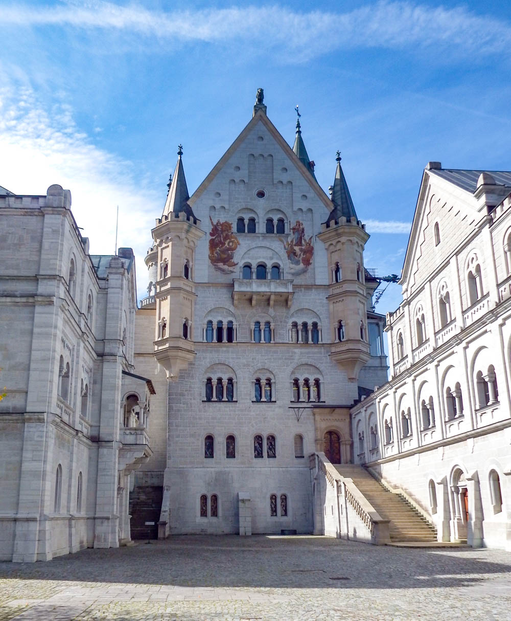 Main courtyard | 10 Crucial Tips to Visit Neuschwanstein Castle Skillfully and Worry-Free | Tips for visiting Neuschwanstein Castle in Bavaria, Germany | Neuschwanstein Castle tour tickets